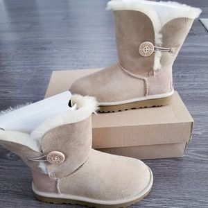 UGG mini Bailey button ll water-resistant